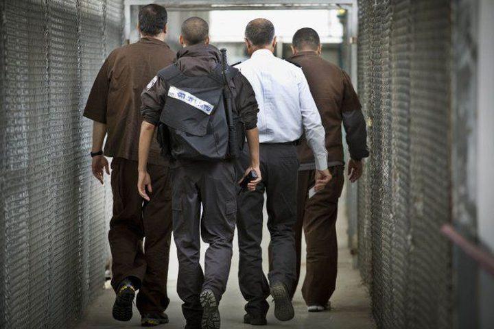 (48) أسيرا فلسطينيا مضى على اعتقالهم أكثر من 20 عاما