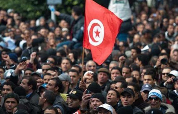 الغنوشي يهاجم أحزابا تونسية دعت للاحتجاجات