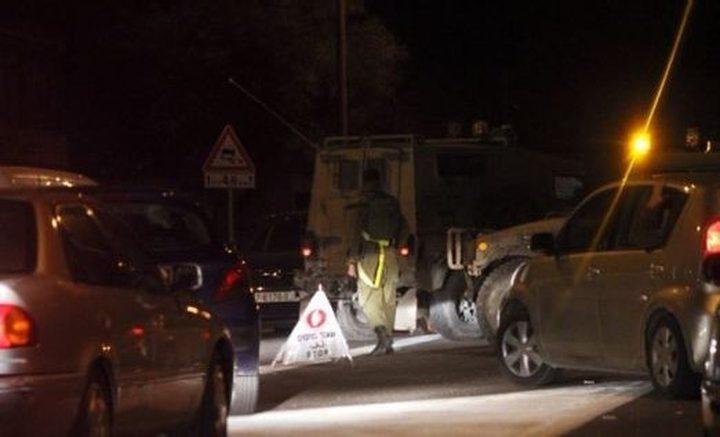 الاحتلال ينصب حاجزًا ويعيق حركة المواطنين جنوب جنين