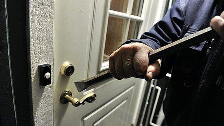 الشرطة تكشف ملابسات سرقة منزل