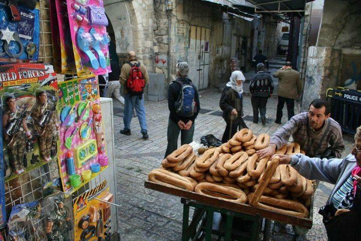 الاحتلال يحرر مخالفات مالية بحق الباعة في القدس