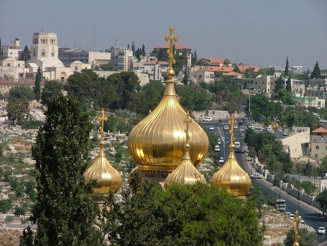 """"""" المركزي الأرثوذكسي """": وثائقنا تثبت بيع الأوقاف الكنسية للاحتلال"""