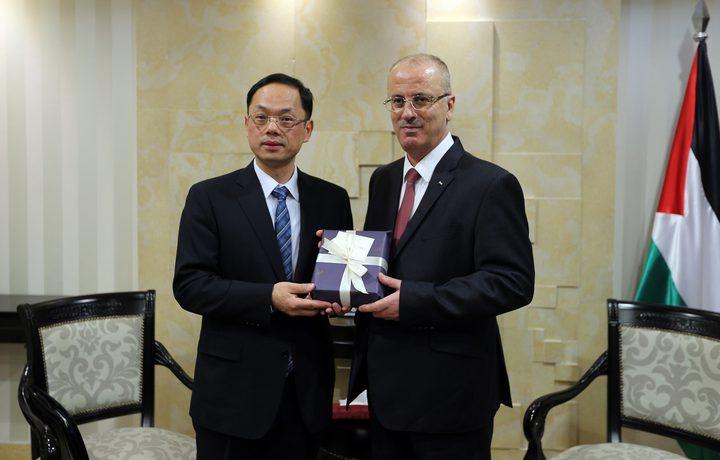 الحمد الله يستقبل سفير الصين لمناسبة انتهاء مهامه الرسمية