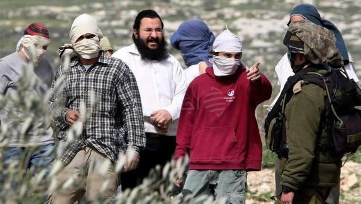 مستوطنون يهاجمون المواطنين جنوب نابلس