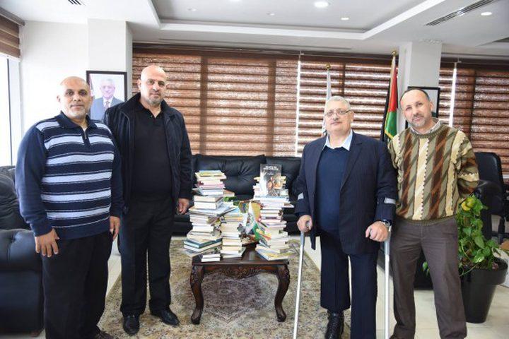 1000 كتاب تصل فلسطين من أبناء الجالية البيراوية