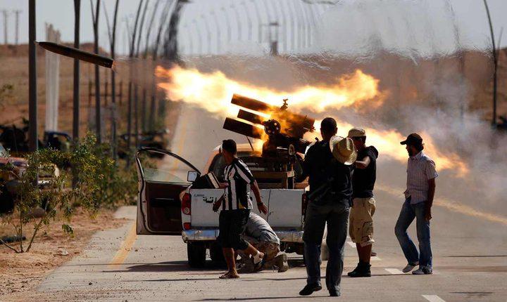 سقوط أكثر من 50 شخصا بين قتيل وجريح في اشتباكات مسلحة قرب مطار معيتقية بطرابلس الليبية