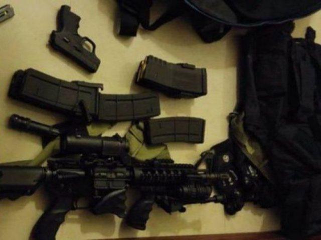 الاحتلال يزعم العثور على اسلحة ومتفجرات بمركبة