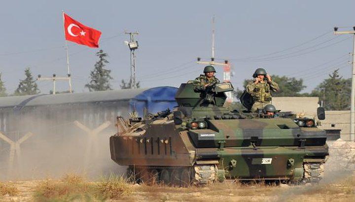 تركيا تحشد قواتها عند الحدود السورية