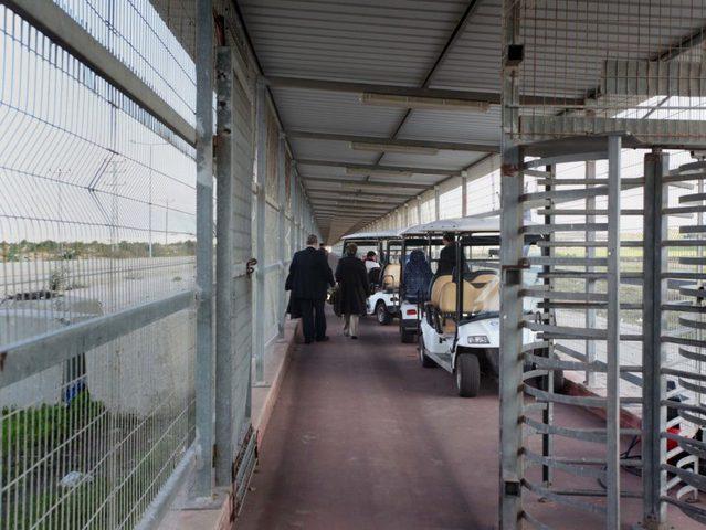 """""""وثيقة حقوقية"""" تكشف 10 خطوات اتخذها الاحتلال لتشديد التنقل عبر معبر """"بيت حانون"""""""
