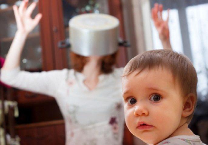 لماذا تُصاب الأمهات بالجنون؟