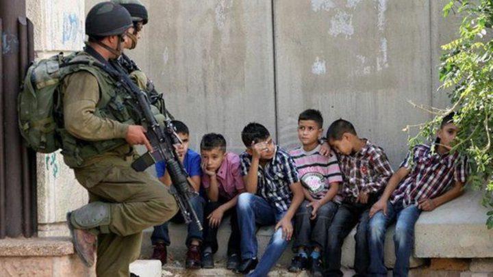 الاحتلال يعتقل سبعة أطفال من حي جبل الزيتون في القدس