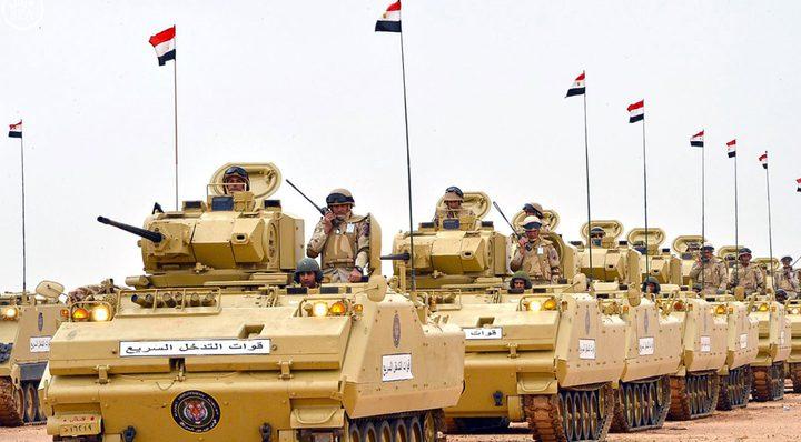 """الجيش المصري يحشد قواته لبدأ عملية عسكرية """"غير مسبوقة"""" في سيناء"""