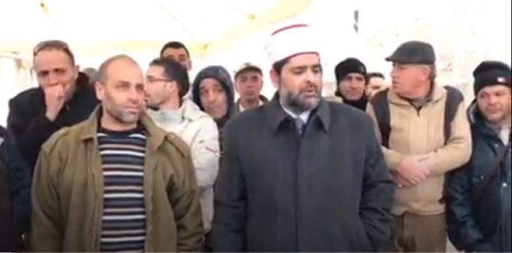 وقفة لموظفي الإعمار احتجاجًا على منع الاحتلال الترميم في الأقصى