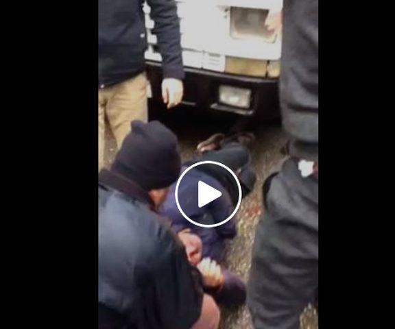 بالفيديو: إصابة مواطن إثر حادث دهس مروع من شاحنة شرق نابلس