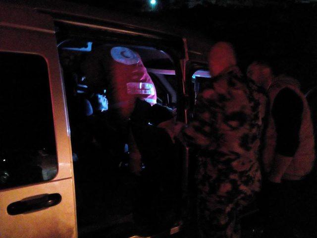 أربع اصابات في حادث تصادم بين مركبتين