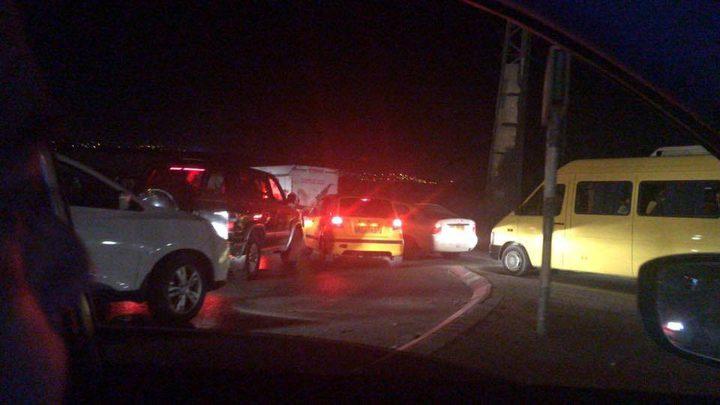قوات الاحتلال تغلق مدخل قرية العيساوية بالقدس