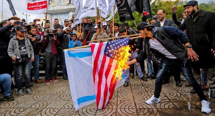 """في ظل زيارة """"بنس"""" للمنطقة.. غضب فلسطيني متوقع خلال الساعات المقبلة"""