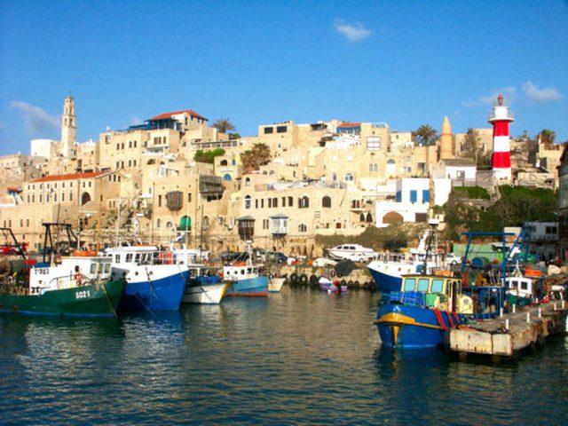 شرطة الاحتلال تشن حملة مخالفات بحق الصيادين في ميناء يافا
