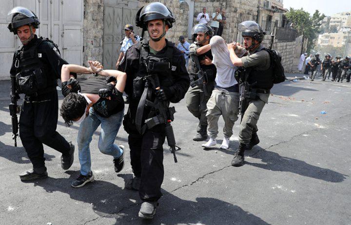 جنود الاحتلال يحتجزون طفلا في الخليل ومستوطنون يستولون على دراجته