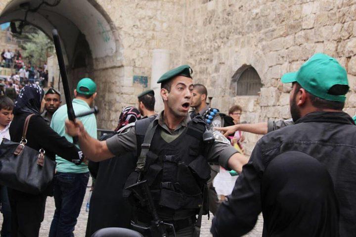 الاحتلال يبعد أحد حراس الأقصى لمدة 15 يوما