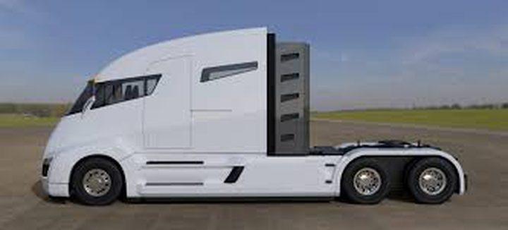 """جديد شاحنة """"تسلا"""" ذاتية القيادة أناقة ولا ازعاج على الطريق"""
