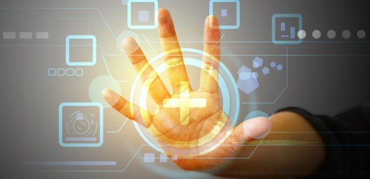 جلد الكتروني يسمح للمستخدم بالتحكم بالواقع الافتراضي