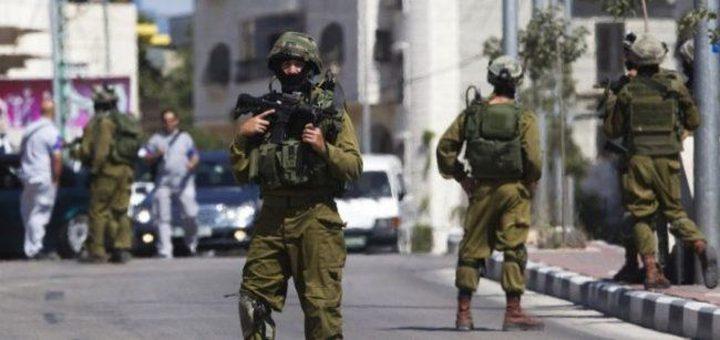 الاحتلال ينصب حاجزا عسكريا على مدخل نعلين الشرقي