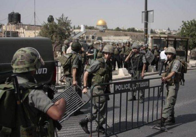 قوات الاحتلال تنصب حواجز في القدس
