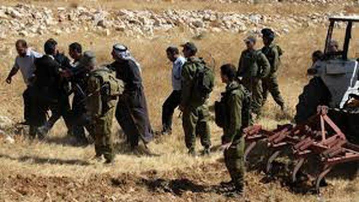 الاحتلال يستولي على جرار زراعي شرق يطا