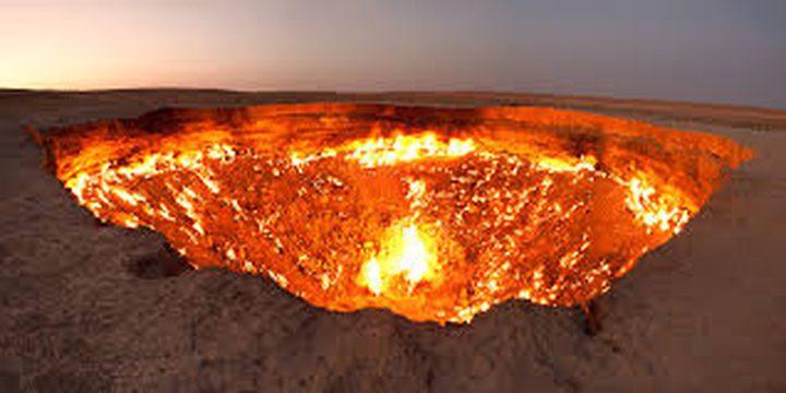 """صور مرعبة لـ""""باب جهنم"""" الذي حير العلماء لعقود!"""