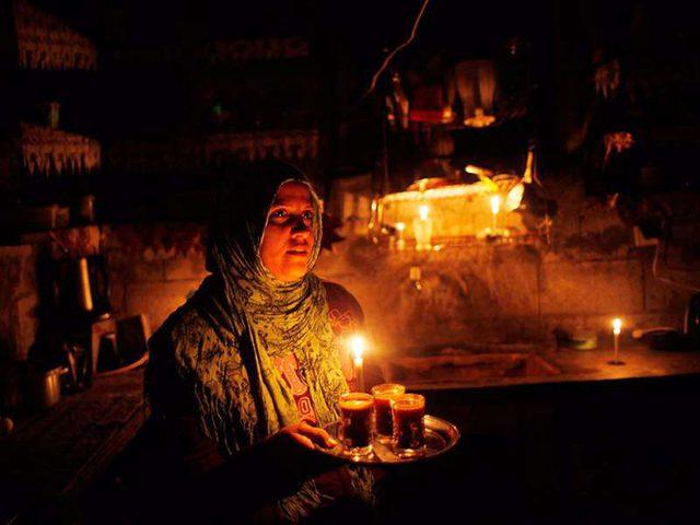 رئيس سلطة الطاقة يبحث سبل التخفيف من أزمة الكهرباء في غزة