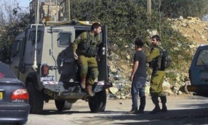 قوات الاحتلال تنفذ حملة تفتيش في بيت أمر