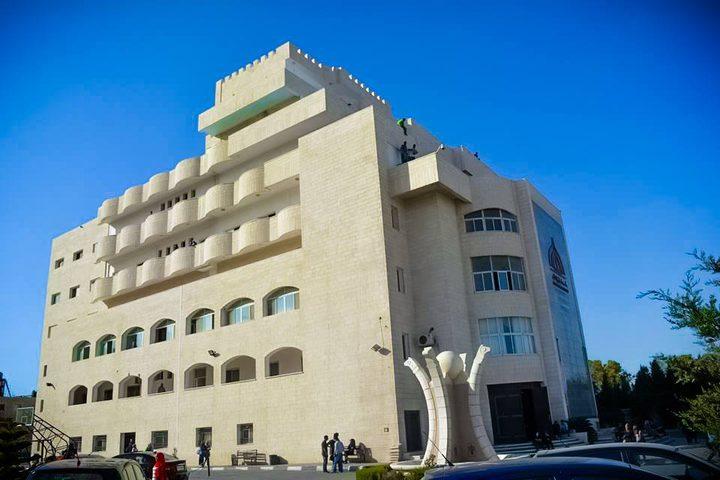 انتهاء أزمة كلية فلسطين الأهلية بمبادرة من التربية والدوام غداً