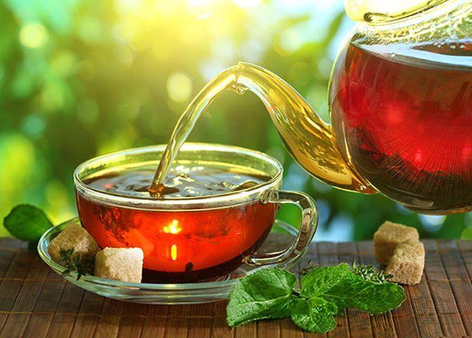 الشاي الساخن جداً يهدد بسرطان المريء