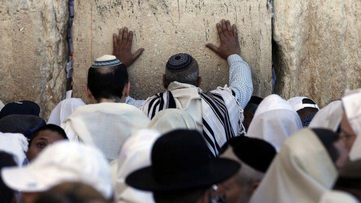 إسرائيل تبني منطقة مختلطة للصلاة قرب حائط البراق