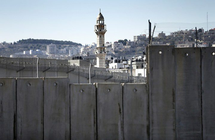 """لبنان: الجدار الحدودي الذي تبنيه """"إسرائيل"""" يمس سيادتنا"""