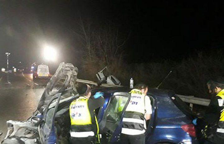 مصرع شابين وإصابة إثنين بجروح خطيرة بحادث سير في الداخل