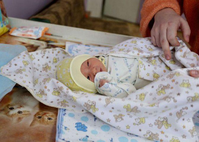 تسمية المولود الجديد.. حرية شخصية أم مراعاة لدواع اجتماعية