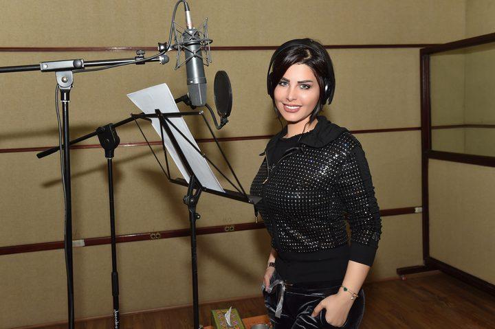 النجمة شمس الكويتية تستعد لاطلاق ثلاث أغنيات