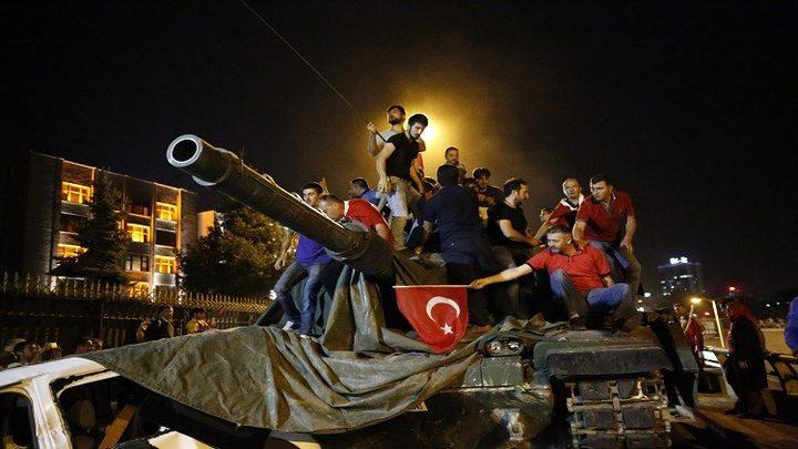 حكم بالسجن المؤبد على عشرات الجنود الأتراك