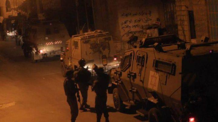 حملة مداهمات واعتقالات في مدن الضفة