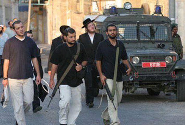 اصابة شاب برصاص مستوطنيين في الخليل