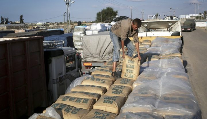 الجانب المصري يسمح بدخول الأسمنت وبضائع قطرية محتجزة