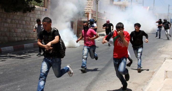 الاحتلال يهاجم طلبة المدارس في اللبن الشرقية