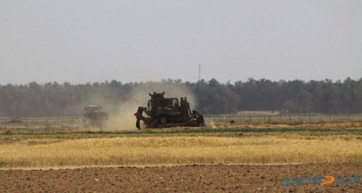 توغل لآليات الاحتلال وسط اطلاق نار شرق القرارة