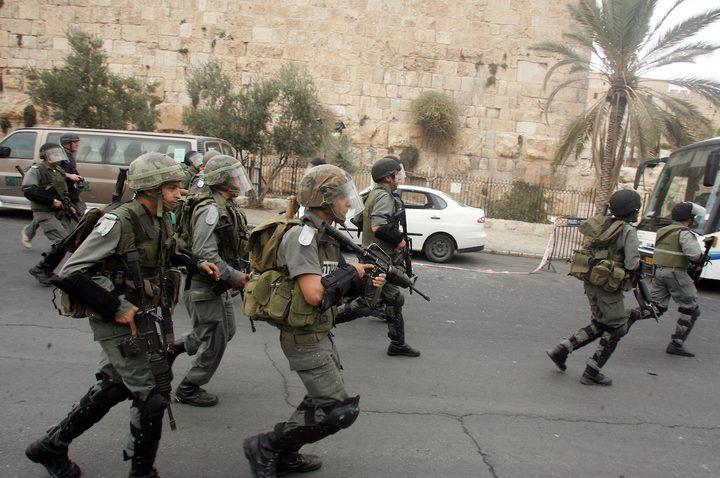 الاحتلال يعتدي على المواطنين في شارع صلاح الدين بالقدس