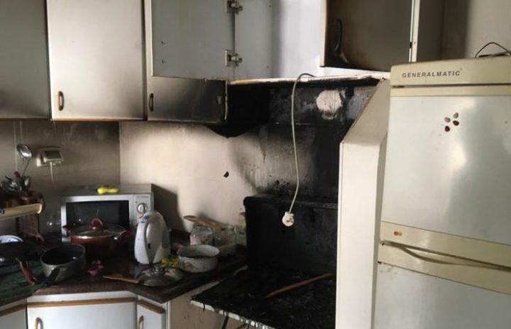 اخماد حريق اندلع داخل منزل في بلدة بيرزيت