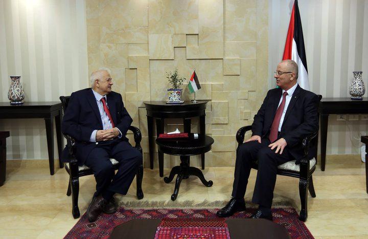 الحمد الله يبحث مع ناصر آخر التطورات على صعيد لجنة الانتخابات