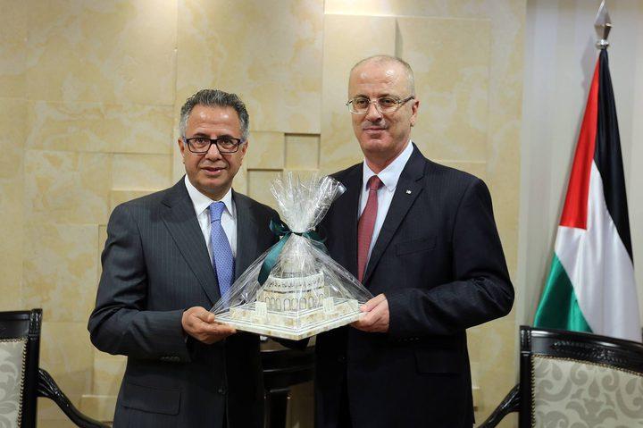 الحمد الله يستقبل السفير الأردني لمناسبة انتهاء مهامه الرسمية