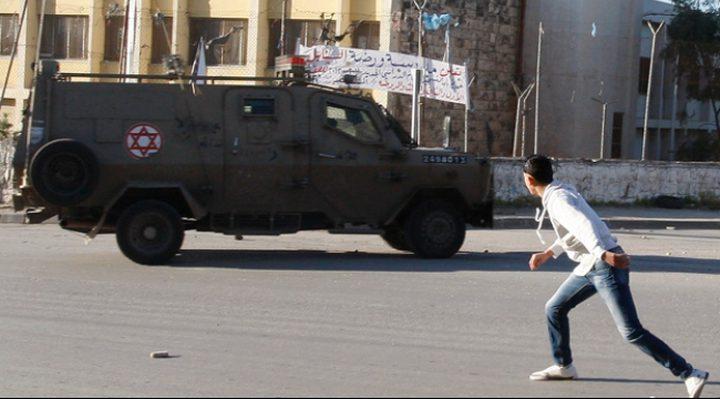 نجاة طالب من محاولة دهس من سيارة عسكرية في جنين